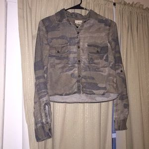 Cropped Camouflage Flannel